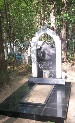 Памятник из цветного гранита Называевск Лампадка из покостовского гранита Смоленск